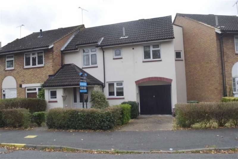 3 Bedrooms End Of Terrace House for sale in Church Park Road, Basildon, Essex
