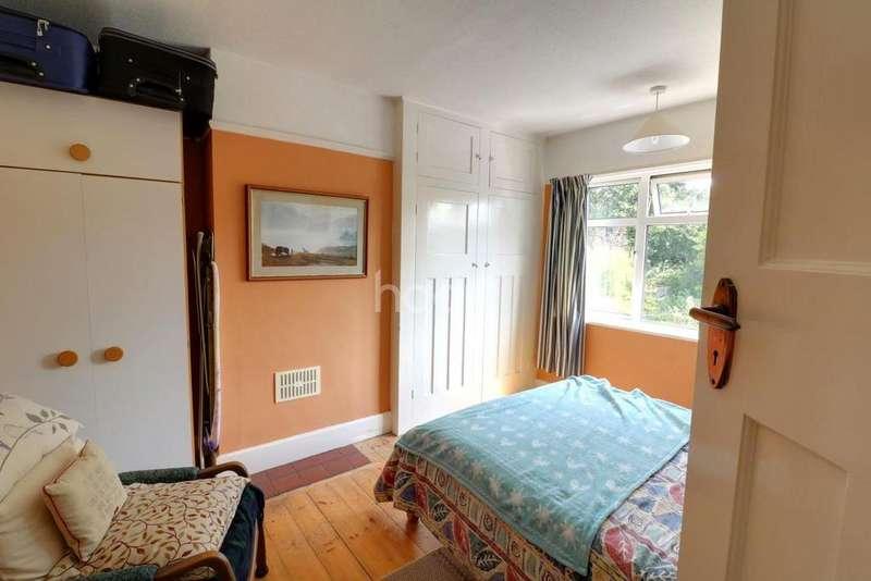 3 Bedrooms Semi Detached House for sale in Oaklands Road, Petersfield