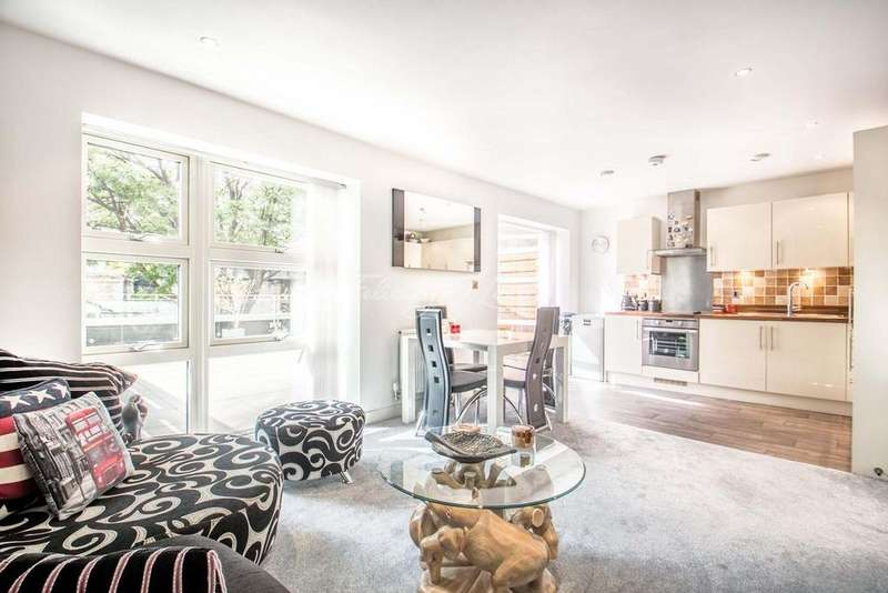 2 Bedrooms Flat for sale in Eyot House, Bermondsey, SE16
