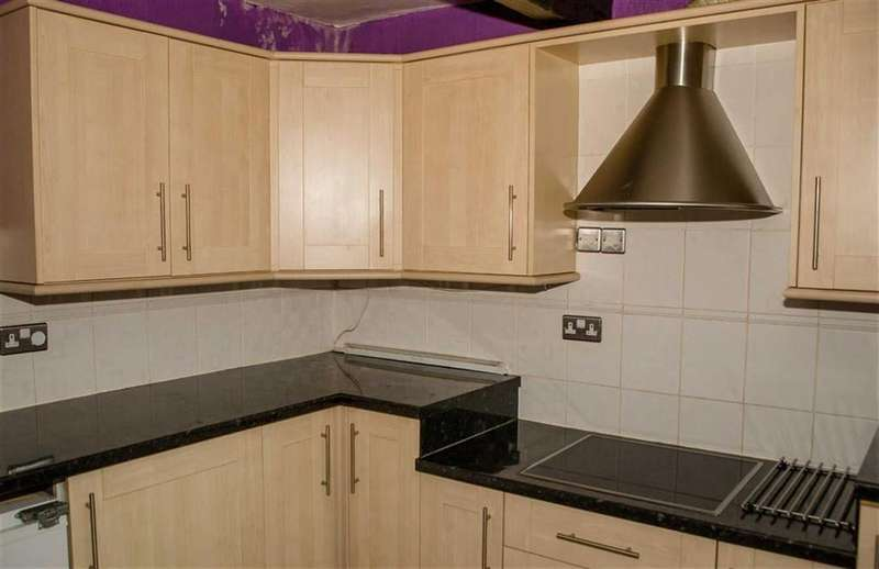 3 Bedrooms Detached House for sale in Old Hall Road, Brampton, Chesterfield, Derbyshire, S40