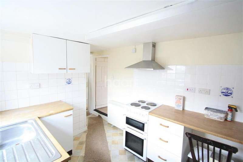 2 Bedrooms Semi Detached House for rent in The Square, Shottisham