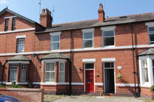 3 Bedrooms Terraced House for sale in Vicarage Road, Hoole, Chester, CH2