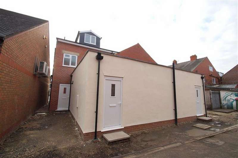 1 Bedroom Apartment Flat for sale in Selby Road, Leeds
