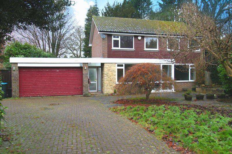 4 Bedrooms Detached House for sale in The Heath, Chaldon