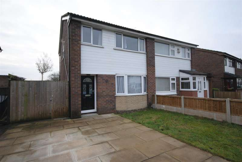3 Bedrooms Semi Detached House for sale in Portland Close, Platt Bridge, Wigan