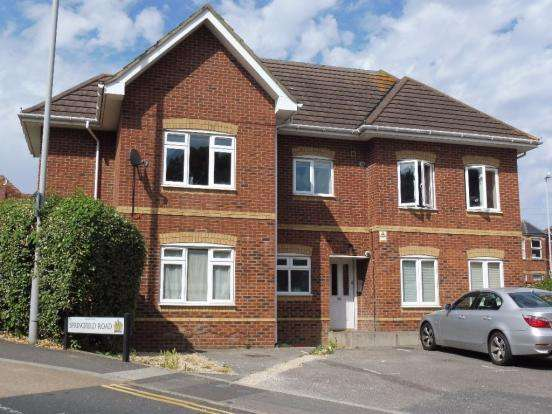 2 Bedrooms Flat for sale in Springfield Road, Poole BH14