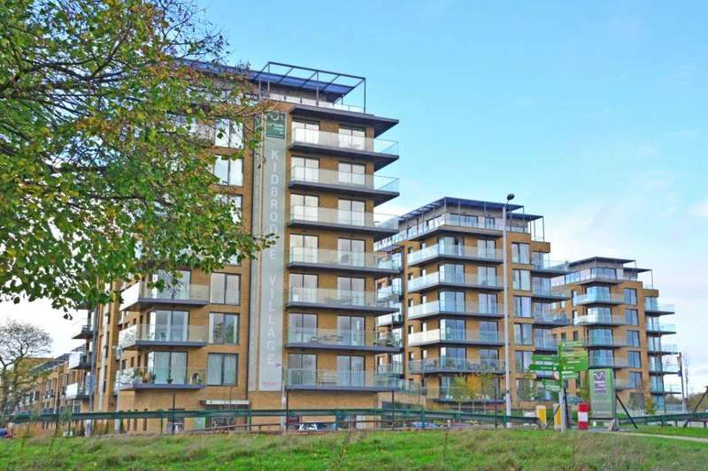 2 Bedrooms Penthouse Flat for sale in Wallace Court, Kidbrooke Village, Blackheath, London, SE3