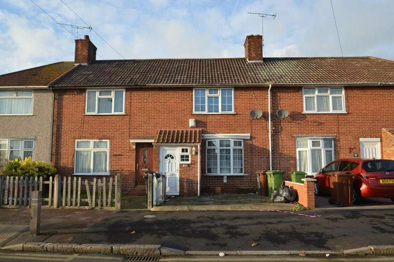 3 Bedrooms Terraced House for sale in St Georges Road, Dagenham
