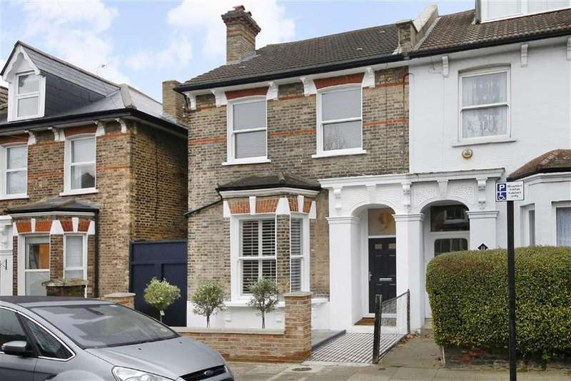 2 Bedrooms Flat for sale in Derwent Grove, London