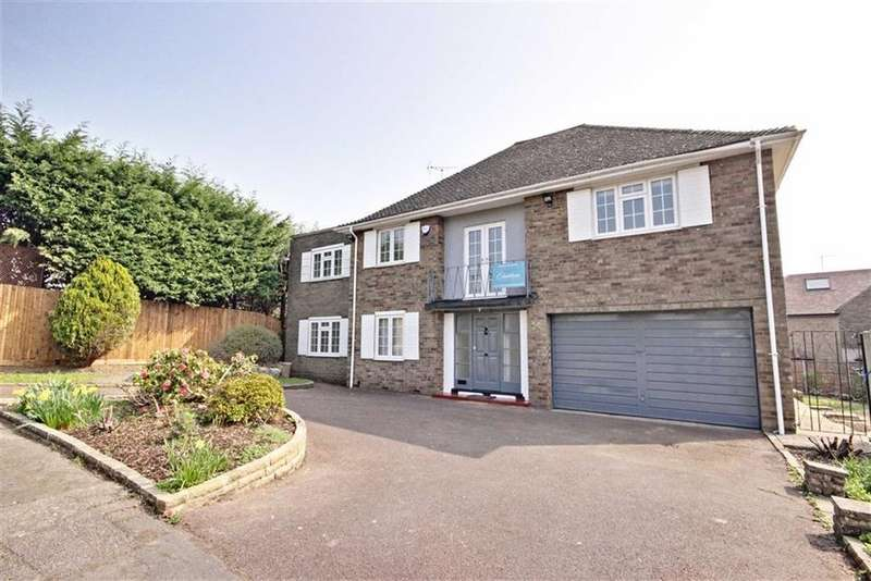 5 Bedrooms Detached House for rent in Duchy Road, Hadley Wood, Hertfordshire