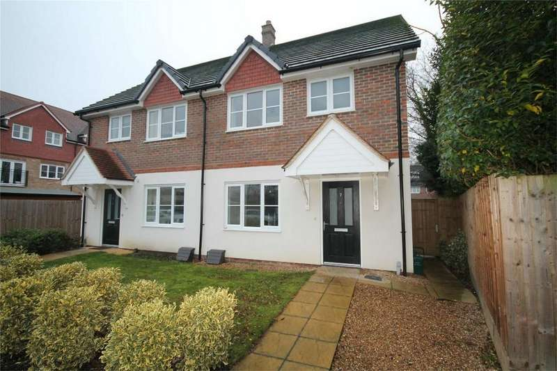 4 Bedrooms Semi Detached House for sale in Scholars Place, Walton-on-Thames, Surrey