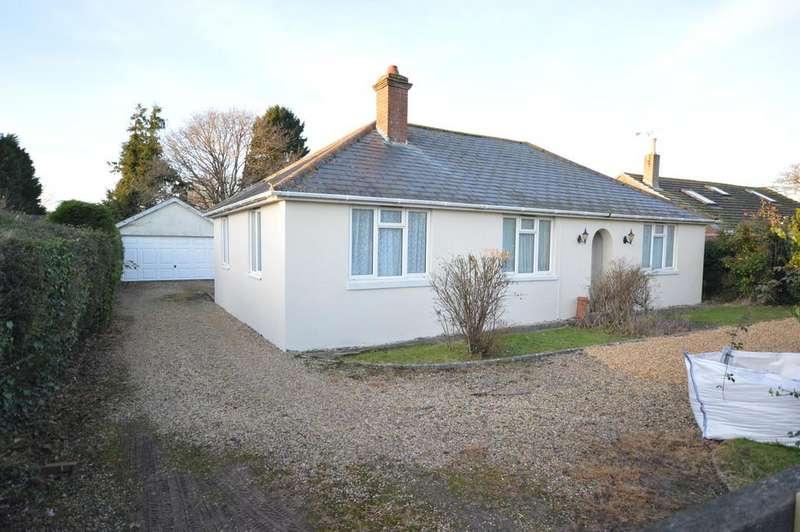 3 Bedrooms Detached Bungalow for sale in Danehurst New Road, Tiptoe, Lymington