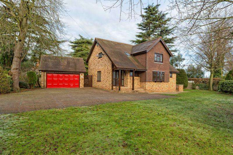 4 Bedrooms Detached House for sale in Erddig Road, Wrexham