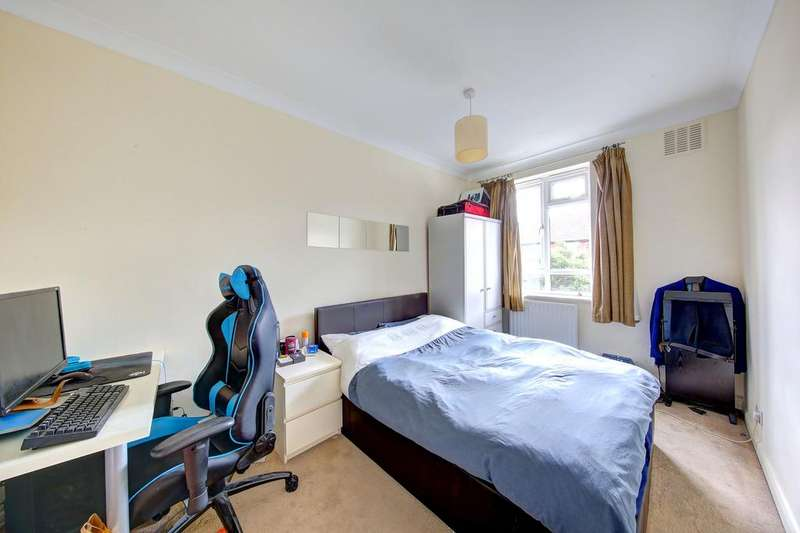 3 Bedrooms Flat for sale in Claxton Grove, Hammersmith, London