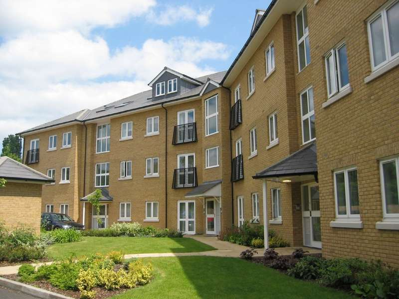 2 Bedrooms Apartment Flat for sale in Bloyes Mews, North Station CO1