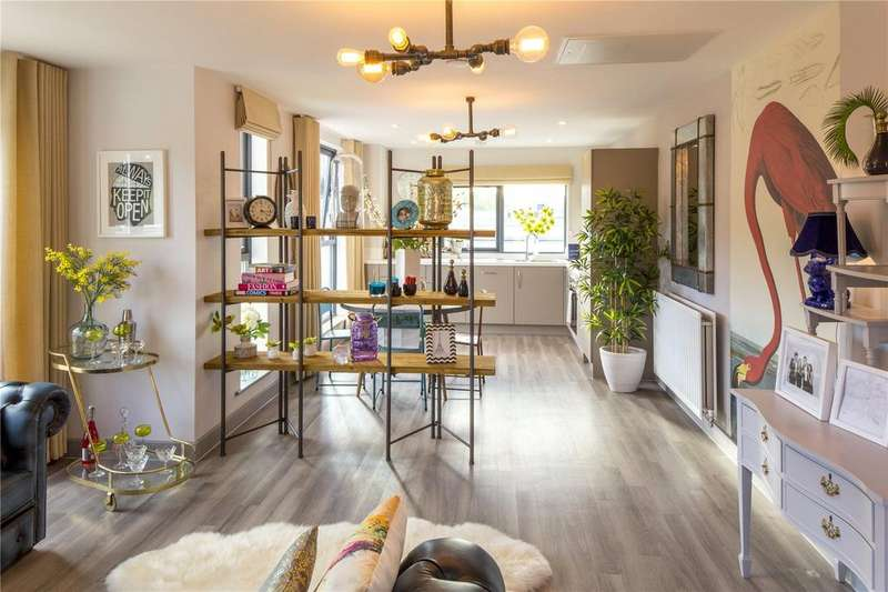 2 Bedrooms Flat for sale in Apartment 205, Paintworks, Arnos Vale, Bristol, BS4