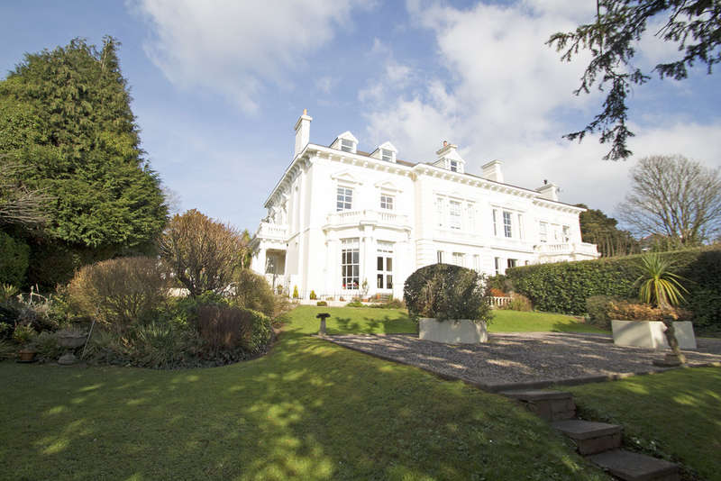 2 Bedrooms Flat for sale in Stoke, Plymouth