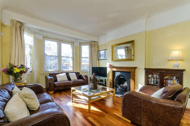 4 Bedrooms Flat for sale in Ashburnham Road, Chelsea, SW10