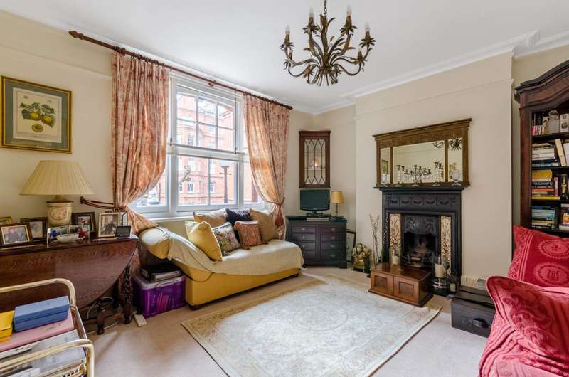 1 Bedroom Flat for sale in Gainsborough Mansions, Barons Court, W14