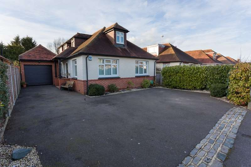 4 Bedrooms Detached House for sale in Thorpe Avenue, Tonbridge, Kent, TN10