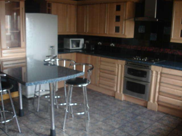 7 Bedrooms Terraced House for rent in Burley Road, Burley, Leeds