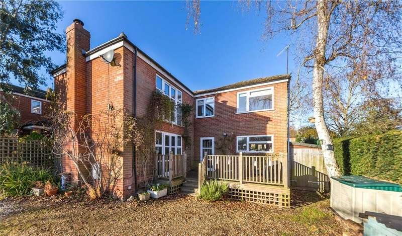 5 Bedrooms Detached House for sale in Elmoor Avenue, Welwyn, Hertfordshire