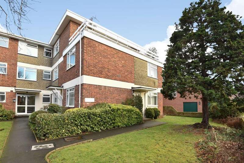 2 Bedrooms Flat for sale in Westbury Road, Ealing