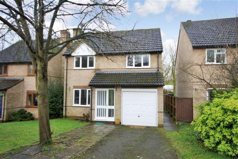 4 Bedrooms Detached House for sale in Ash Close, Uppingham, Rutland