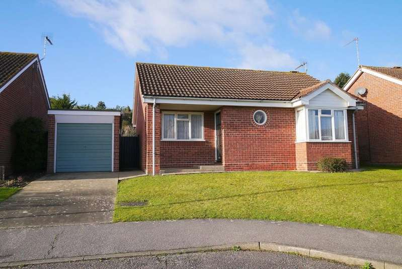 2 Bedrooms Detached Bungalow for sale in Beeching Drive, Gunton, Lowestoft