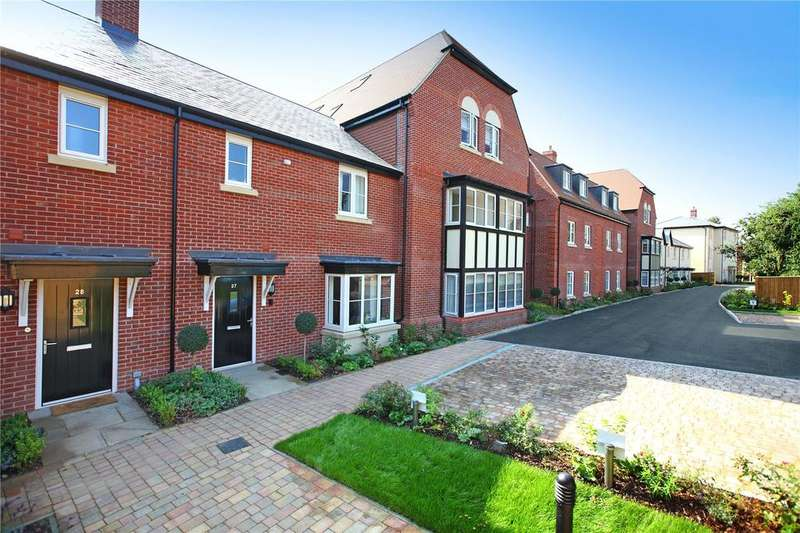 3 Bedrooms Apartment Flat for sale in Cumber Place, Theale, Reading, Berkshire, RG7