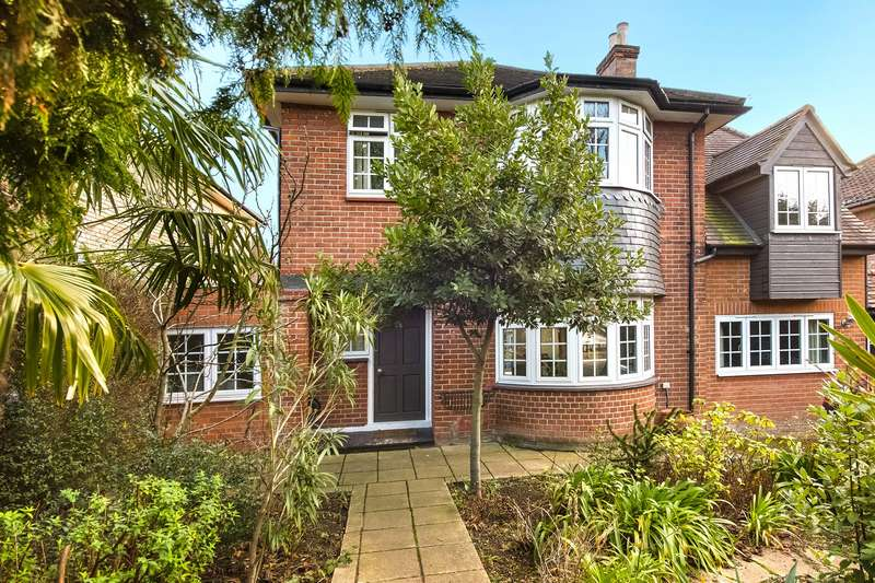 3 Bedrooms Detached House for sale in Perryn Road, Acton, London, W3