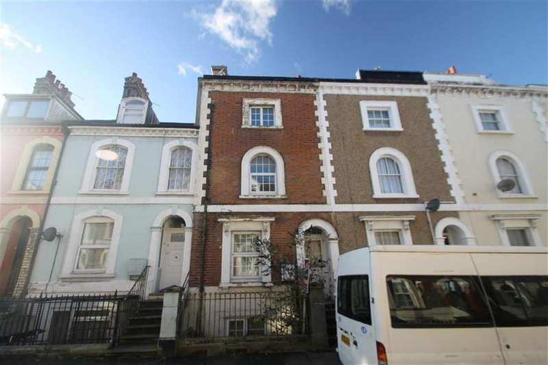 5 Bedrooms Terraced House for sale in Victoria Street, Harwich