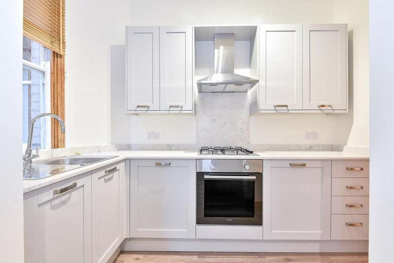 1 Bedroom Flat for sale in Carson Road, West Dulwich