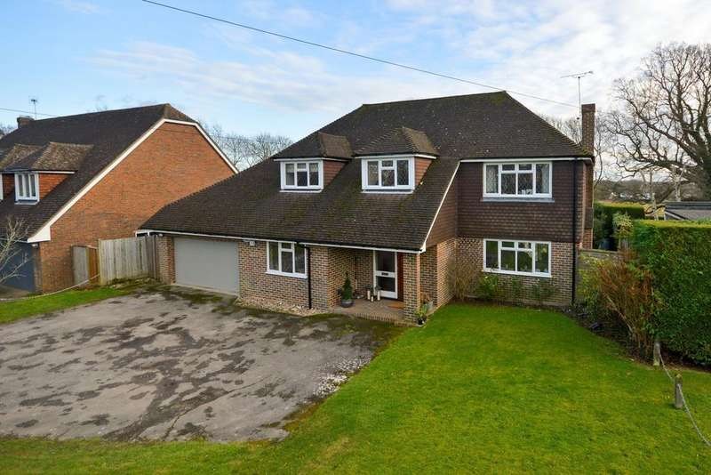 4 Bedrooms Detached House for sale in Tenterden, TN30