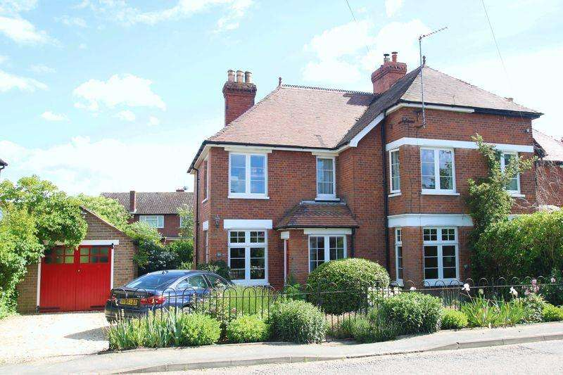 4 Bedrooms Semi Detached House for sale in Haddenham, Buckinghamshire