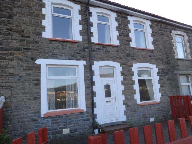 3 Bedrooms Terraced House for rent in Birchgrove Street, Porth