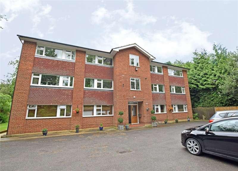 3 Bedrooms Apartment Flat for rent in Fairmead Court, Gordon Crescent, Camberley, Surrey, GU15