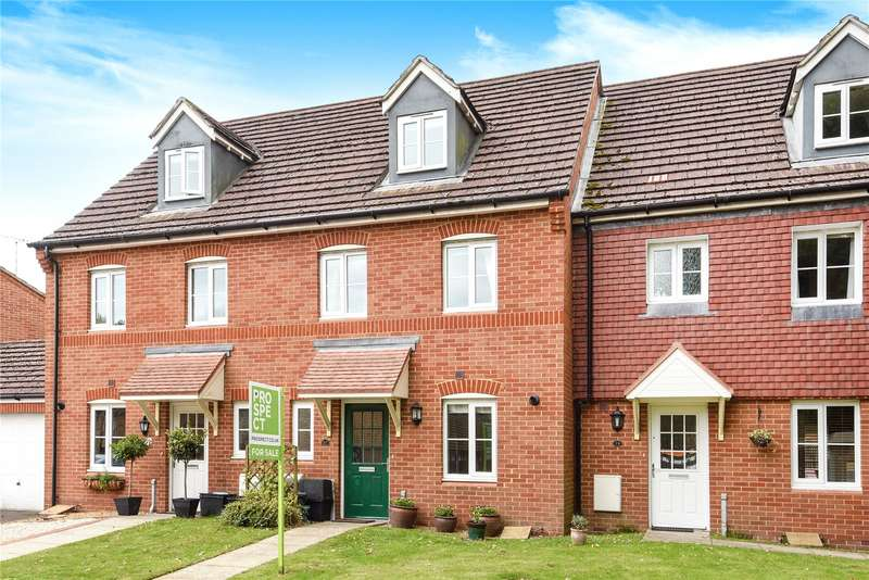 3 Bedrooms Terraced House for sale in Poperinghe Way, Arborfield, Reading, Berkshire, RG2