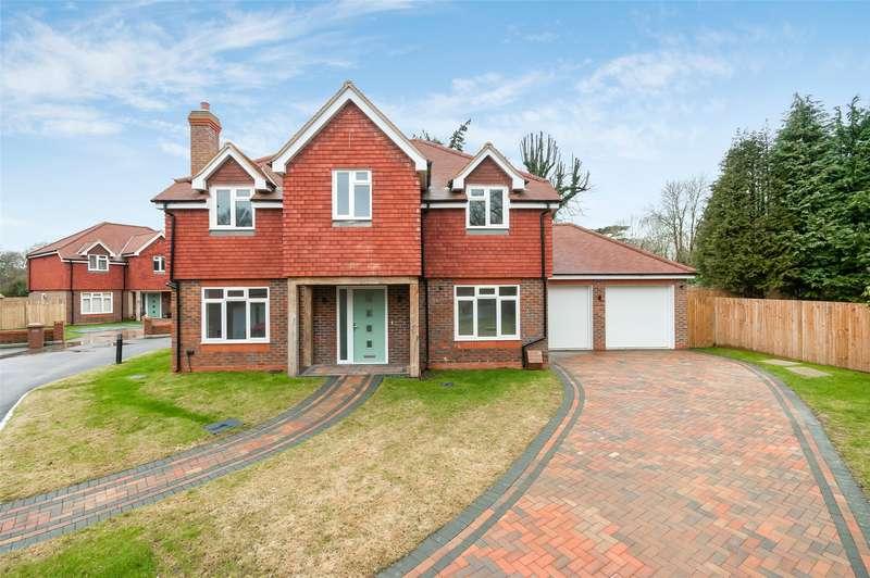 5 Bedrooms Detached House for sale in Horley Lodge Lane, Salfords, Surrey, RH1