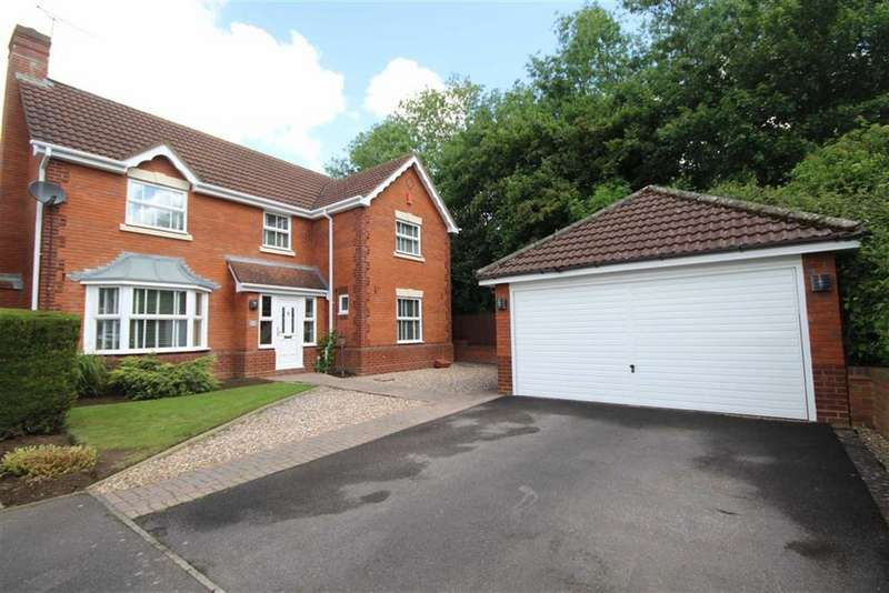 4 Bedrooms Detached House for sale in Kenwin Close, Stratton, Wiltshire