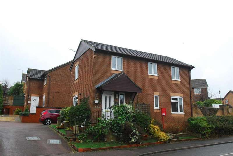 4 Bedrooms Detached House for sale in Lyminster Close, Bury St. Edmunds