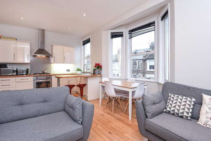 2 Bedrooms Flat for sale in Steerforth Street, Earlsfield