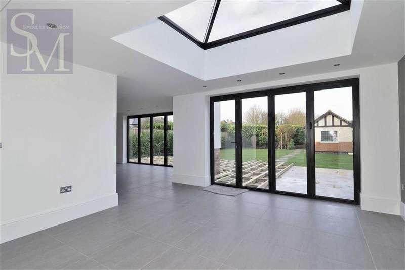 5 Bedrooms Detached House for rent in Hornbeam Lane, London