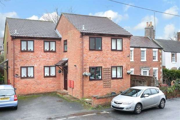 2 Bedrooms Semi Detached House for sale in Emwell Street