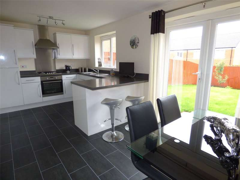 3 Bedrooms Detached House for sale in Kinross Avenue, Heywood, Greater Manchester, OL10