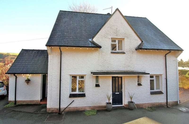 4 Bedrooms Detached House for sale in Woodlands Road, Llanidloes