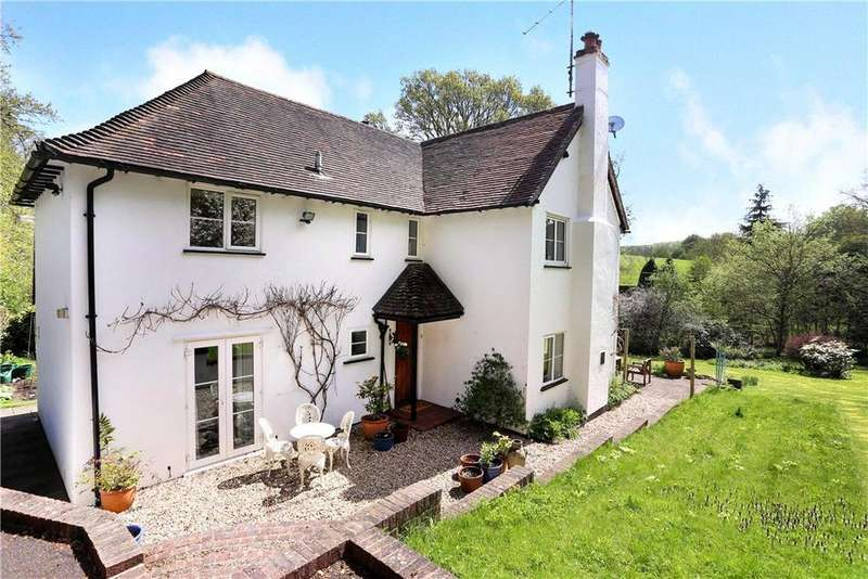 4 Bedrooms Detached House for sale in Powntley Copse, Alton, Hampshire, GU34