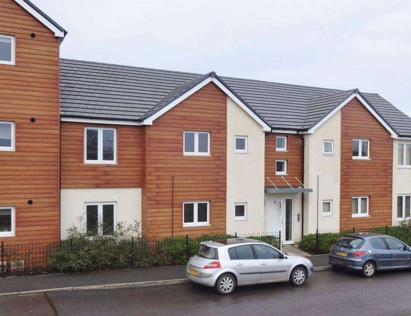 2 Bedrooms Apartment Flat for sale in Harris Road, Corby