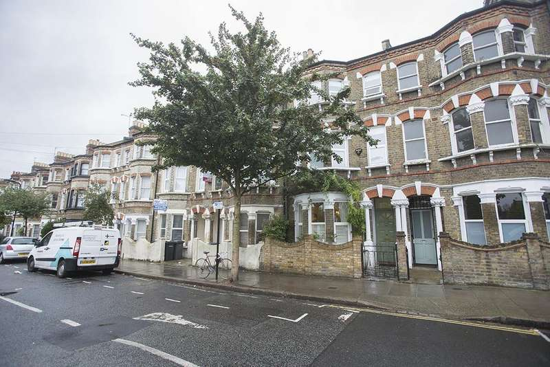 4 Bedrooms Terraced House for sale in Millfields Road, London E5