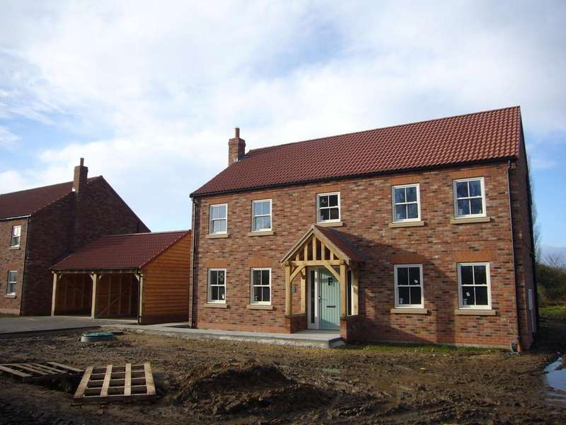 4 Bedrooms Detached House for sale in Trinity House, Gambrell Fold, Barmby On The Marsh, DN14 7HL